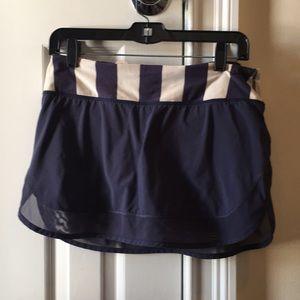 Lululemon navy & gray skirt w/ mesh sz 8 57026